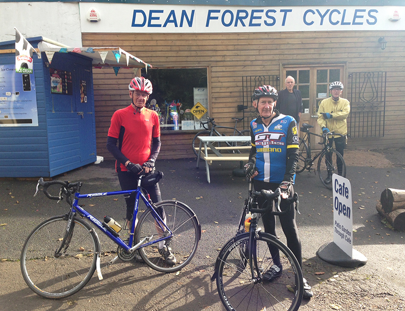 The Monmouth Wheelers: our cycle cafe review contingency!