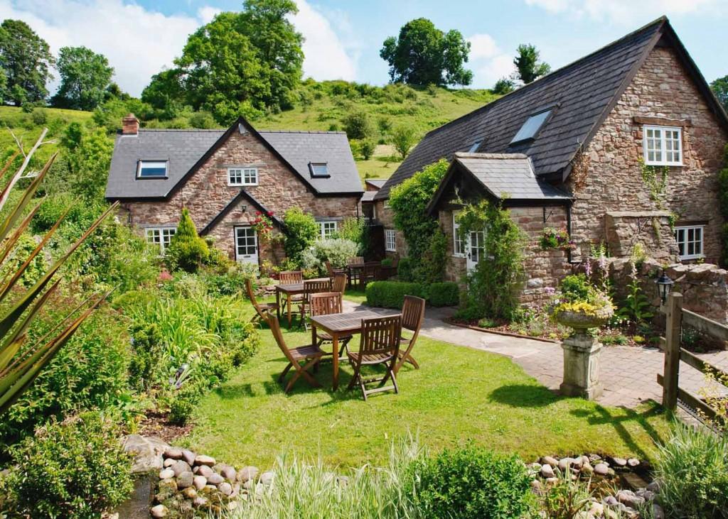 Tudor Farmhouse Hotel - you'll love it!